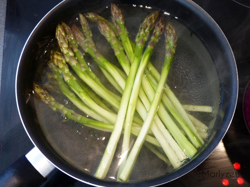 Faites-les cuire à l'eau bouillante.