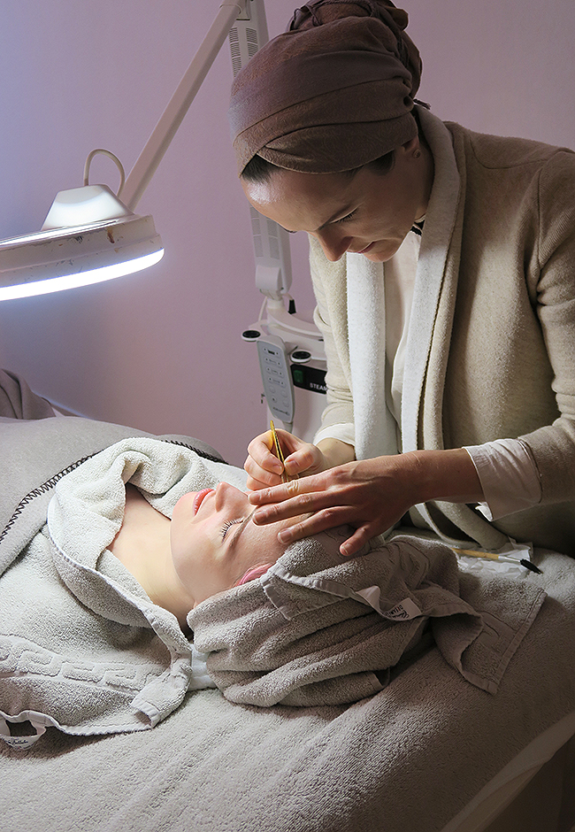 Skintherapist, Zurich, beauty treatment