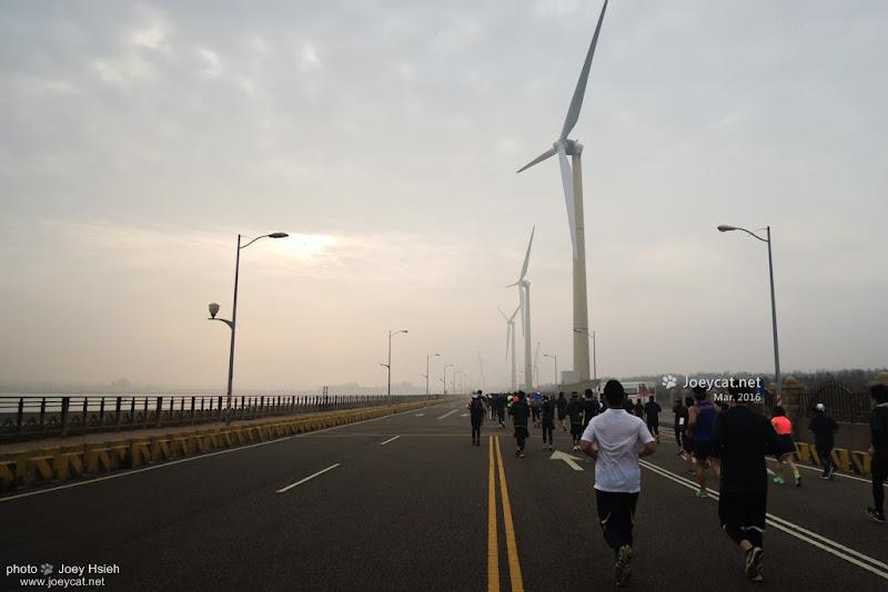 風車大道 英雄馬拉松 台中港