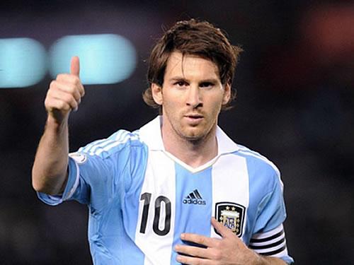 Messi segue sem treinar e preocupa a Argentina para estreia