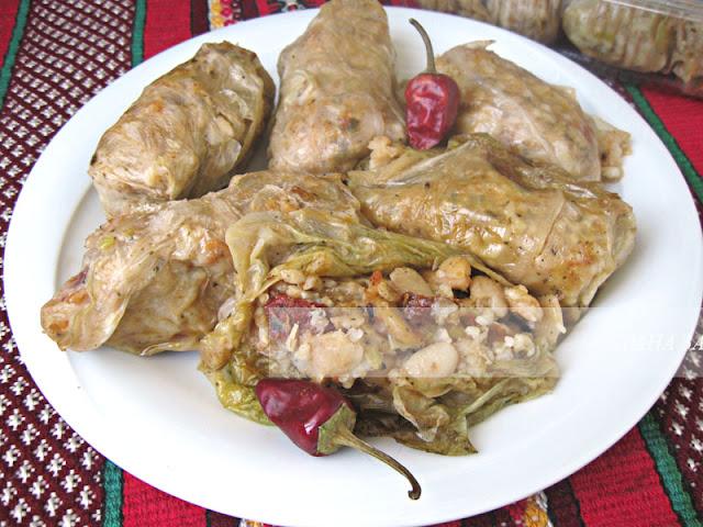 Постни зелеви сарми с боб и ориз