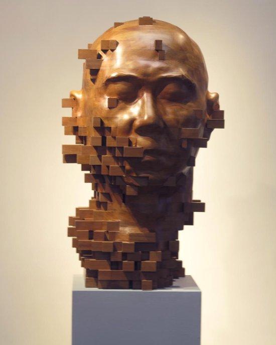 Hsu Tung Han esculturas em madeira surreais curiosas bizarras glitches pixels