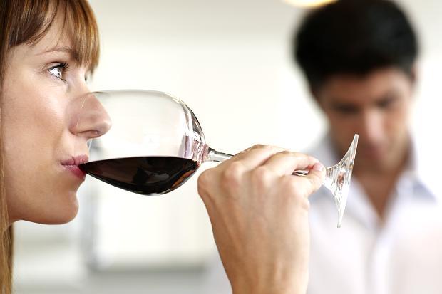 Por que você deve beber vinho diariamente?
