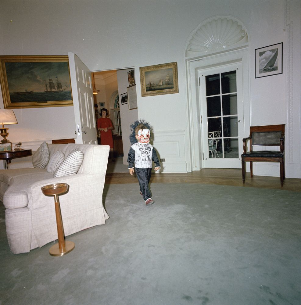 Wonderful Photos of President John F Kennedy with His Children in