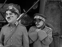 """Кадр из к/ф Чарли Чаплина """"На плечо"""" / Shoulder Arms (1918) - 30"""