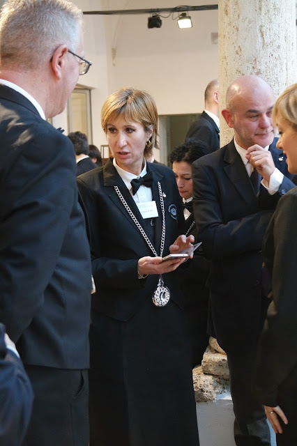 Sommeliers at work at Benvenuto Brunello