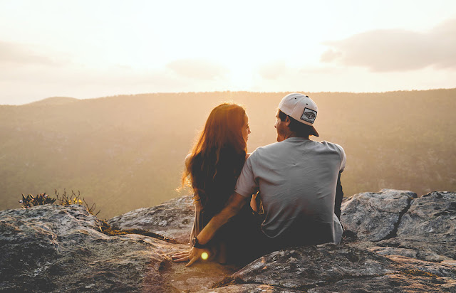 Kata-kata Cinta Paling Romantis Untuk Pasangan