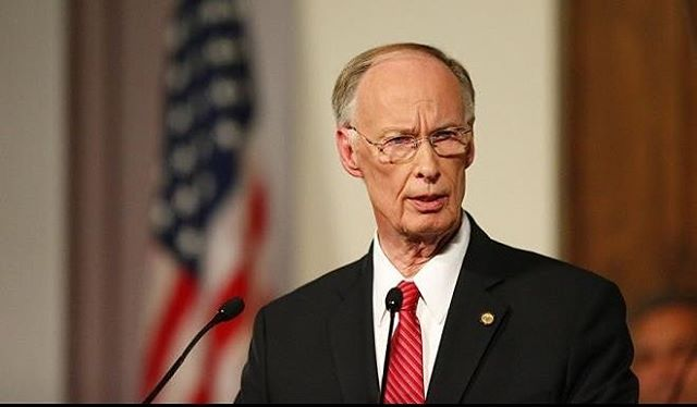 74-yr-old Alabama governor resigns over cheating on his wife of 50 years, with his P.A