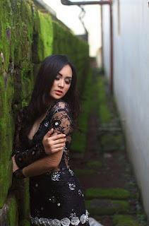 Fotografi Foto model Igo Cantik Devi dari Makassar paling bening