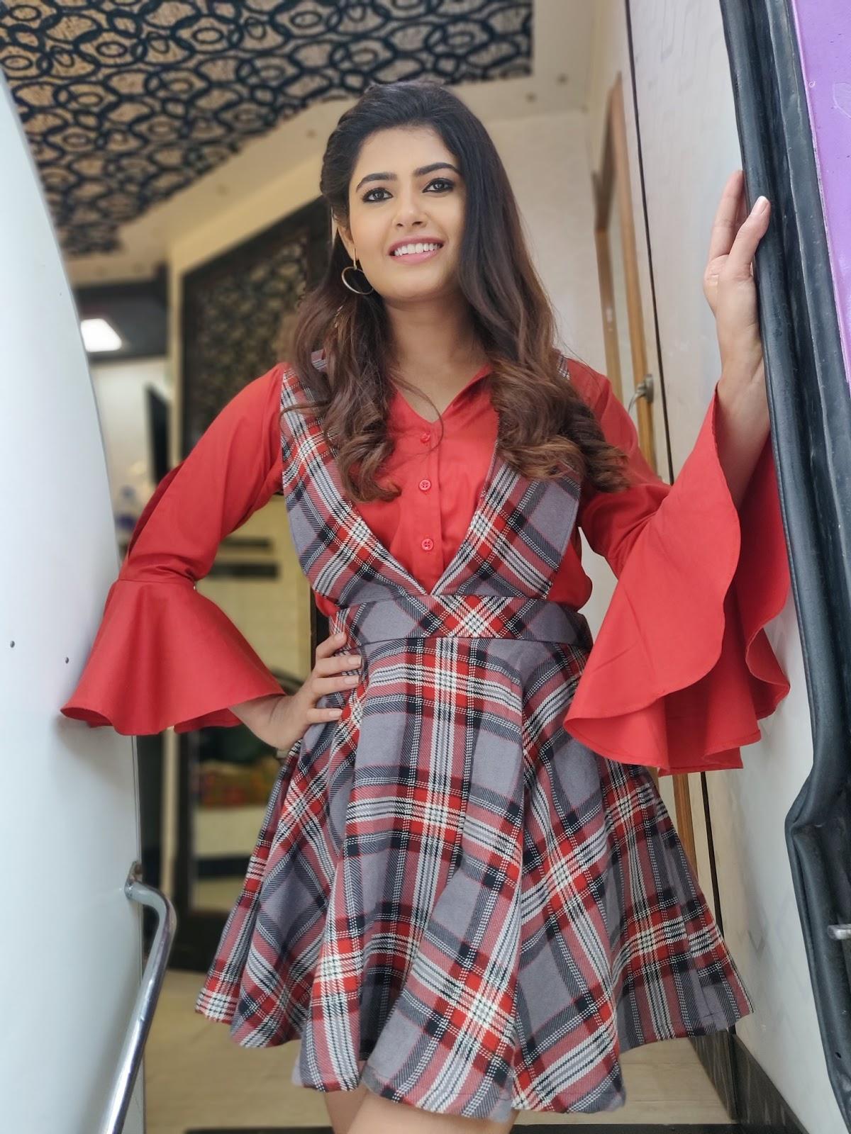 Actress PayalRajput HotPhotos MakeUp BeautyTips Fashion WallPapers Biography Wikipedia MoviesList VideoSongs Photoshoots