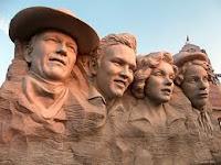 John Wayne, Elvis Presley, Marilyn Monroe, Charlie Chaplin