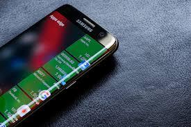 oble-tvary-Samsung-Galaxy-S7-Edge