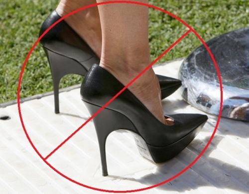 Fisioterapia  ¿Es Perjudicial usar tacones muy altos  c5a2bb9567af