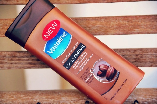 Vaseline Cocoa Radiant rich feeling lotion