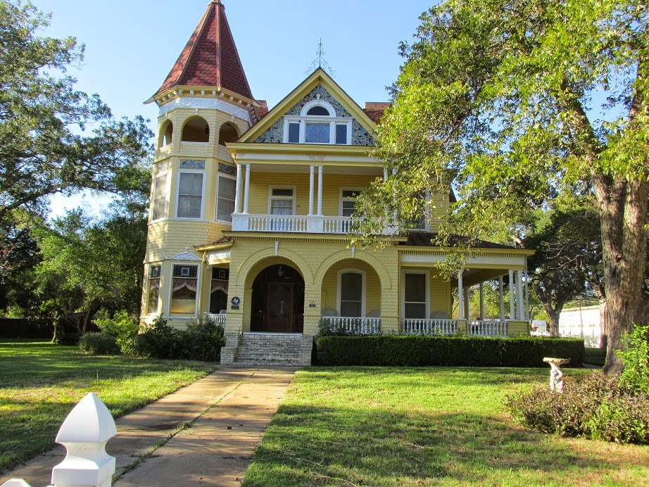 historic homes gonzales texas