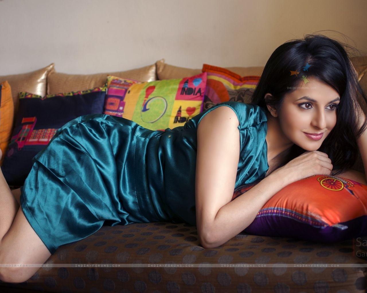 Ameesha Patel XXX fotos Judi West,Jane Levy