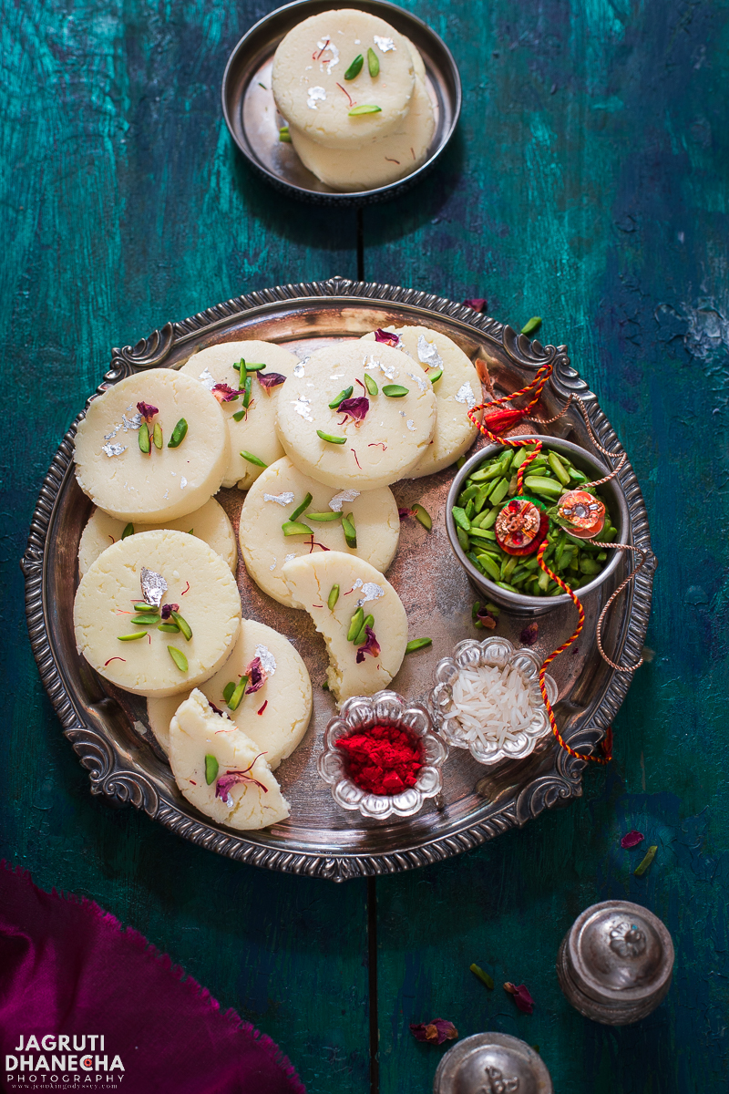 Rajkot Na Peda/Penda, are hugely popular and a favourite sweet Indian delicacy from the city of Rajkot, Gujarat. Ideal for any happy occasion or festive season.