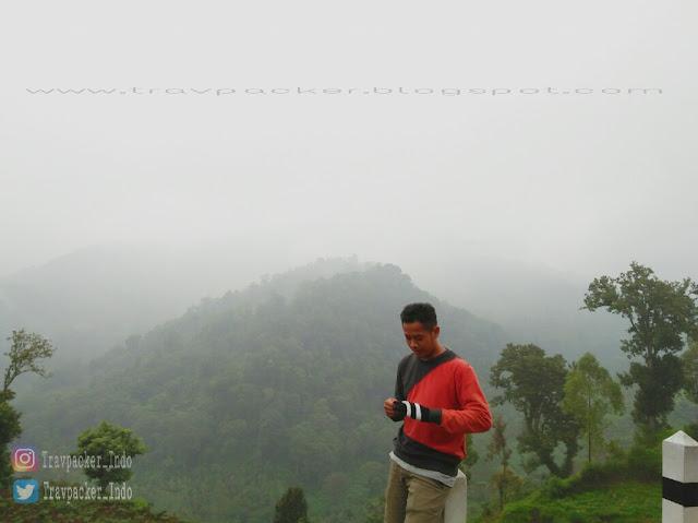 Suasana pegunungan jalur cangar