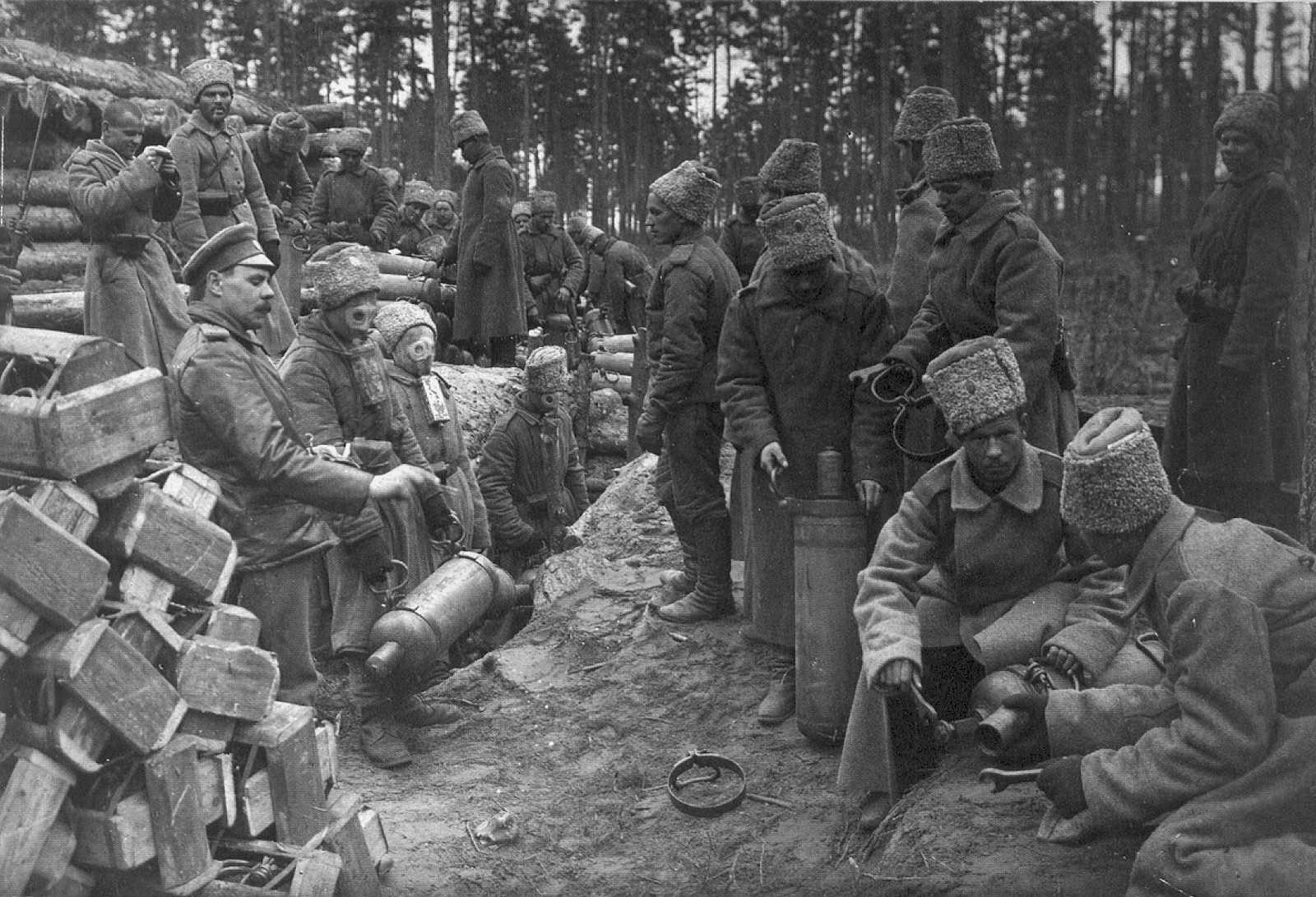 Russian soldiers prepare chlorine cylinders for a gas attack against German positions near Ilūkste, 1916