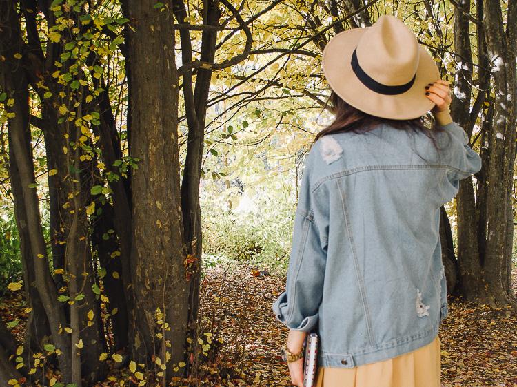 fashion blogger diyorasnotes autumn denim jacket midi skirt hat%2B%25289%2B%25D0%25B8%25D0%25B7%2B24%2529 - RED LIPS, BANDANA AND MIDI SKIRT