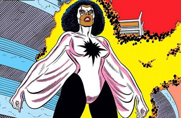 Kekuatan Monica Rambeau adalah superhero wanita Marvel Comics