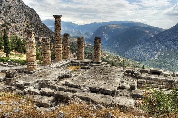 44. The oracle worked its magic up here on Mount Parnassus in Delphi. (The oracle at Delphi.) - 49 Reasons To Love Hellas (Greece)