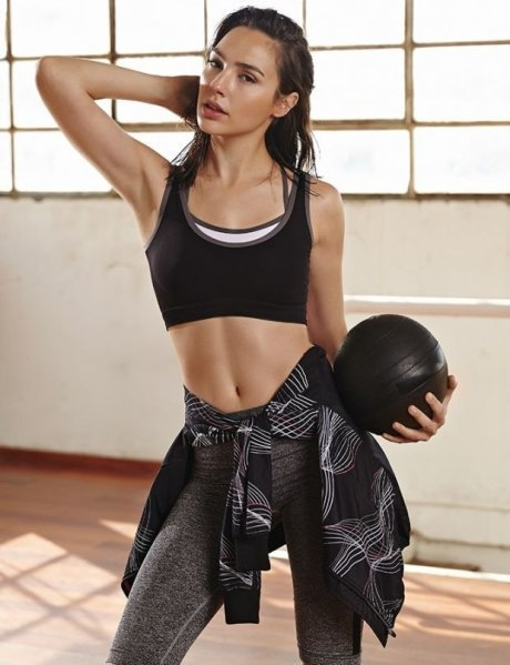 20150629231102 hanaco lan 854053 - Gal Gadot Sexy Gym Workout Images will automatically encourage you to do Exercise Wonder Girl in Fitness