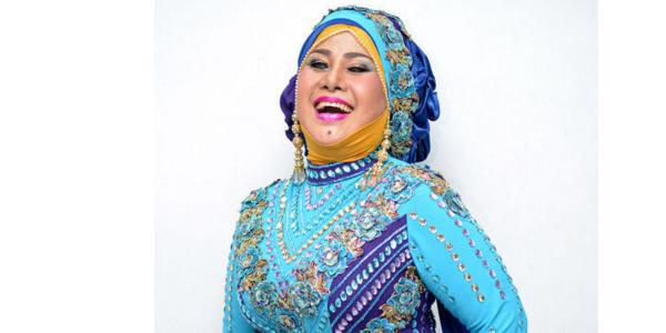 profil dan biografi elvy sukaesih sang ratu indonesia nama pasti sudah anda kenal namanya selalu dihubungkan dengn musik dangdut