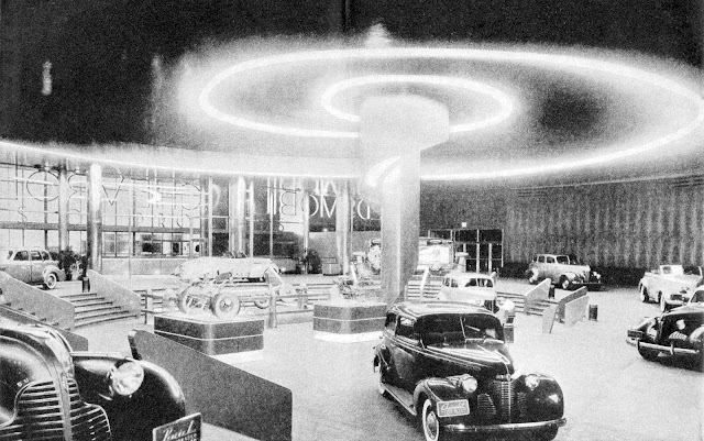 1939 NY World's Fair Ford showroom with lighted spiral, photograph