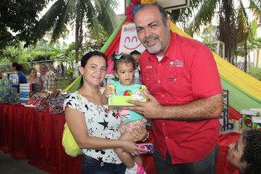 Entregaron más de 250 juguetes a los niños y niñas de El Vigía
