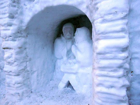 Śnieżna szopka.