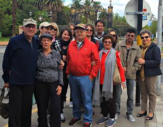 Grupo de Viagem em Frente ao Parque General San Martín, Mendoza