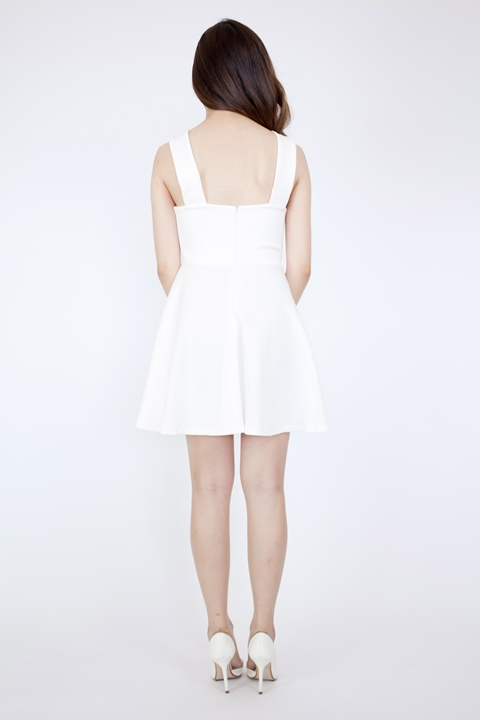 LD581 White