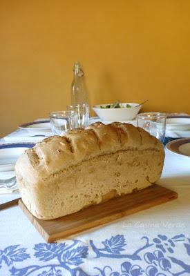 pane con pasta madre_sul tavolo