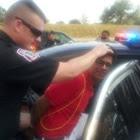 https://www.eutesalvo.com/l/217672-12-fotos-de-policiais-sendo-hilario-enquanto-estao-fazendo-seu-servico