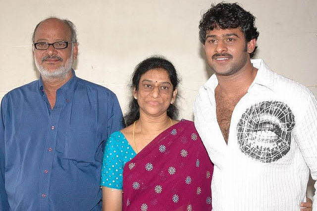 Prabhas With His Father (Uppalapati Surya Narayana Raju) and Mother (Siva Kumari) Photo