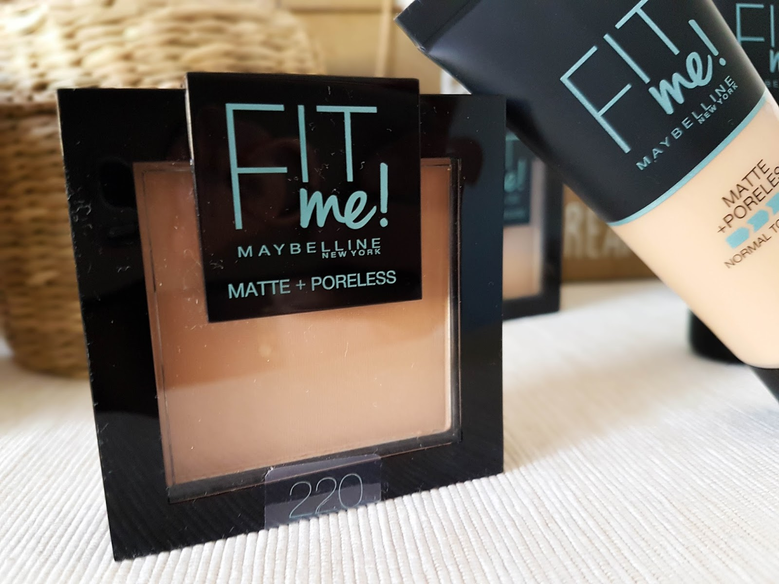 poudre_fit_me_matte_and_poreless_maybelline_swatch_mama_syca_beaute
