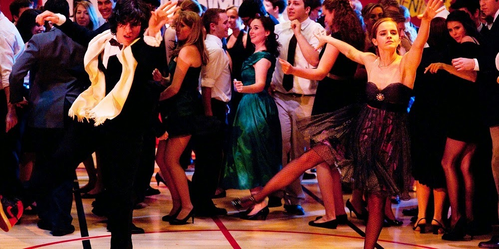 Ezra Miller e Emma Watson em AS VANTAGENS DE SER INVISÍVEL (The Perks of Being a Wallflower)