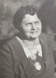 Mary Elizabeth (Klein Dixon) Payne. Some time after 1927, when she married Thomas Payne.