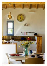 cozinha estilo mediterraneo azul e branco casa de praia