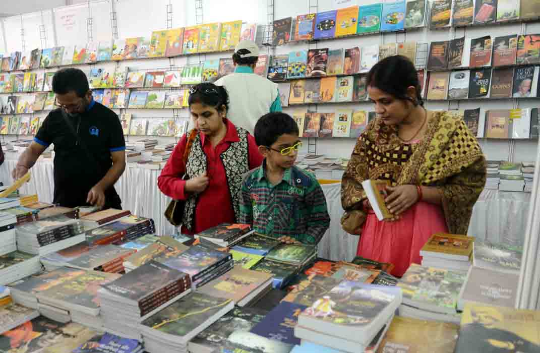 visit to book fair For more than 30 years, scholastic has been providing students, teachers, and parents with access to thousands of affordable books and educational products for more than 30 years, scholastic has been providing students, teachers, and parents with access to thousands of affordable books and educational products  scholastic book fairs.