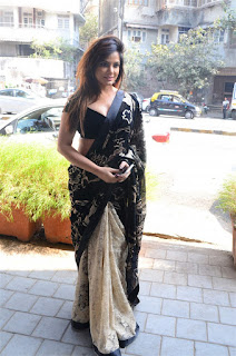 Neetu Chandra in Black Saree at Designer Sandhya Singh Store Launch Mumbai (14).jpg