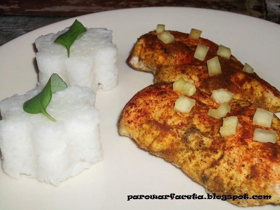 przepis na piersi z kurczaka z ryżem z parowaru na obiad