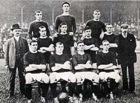 Tim Manchester United pada awal sesi 1905-06