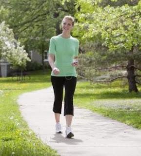 """<img src=""""trotar.jpg"""" alt=""""trotar es un excelente ejercicio para adelgazar y mantener un buen estado físico"""">"""