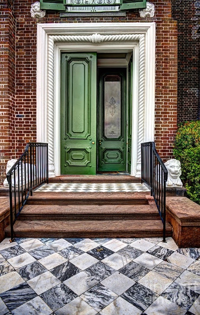 Design addict mom feng shui and the front entrance - Feng shui exterior house paint colors ...