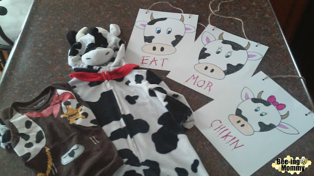 Chick-fil-a cow day, Chick-fil-a cow appreciation day, Chick-fil-a cow day costume, cow costume, cow sign, easy costume, last minute costume, DIY cow costume, DIY cow sign, Chick-fil-a, Chick-fil-a free food, Chick-fil-a cow day costume, Chick-fil-a cow day costume idea, easy cow costume, Halloween, cow, dairy cow costume, dairy cow, cute costume, easy costume