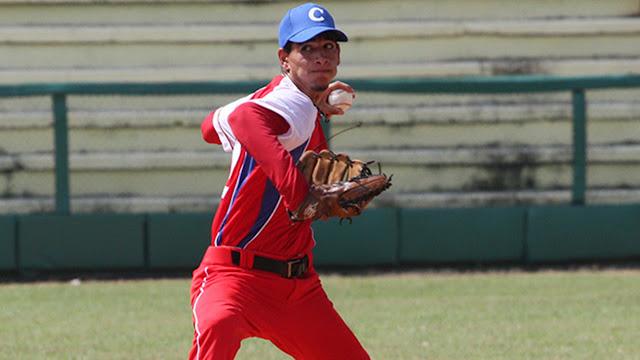 Los seguidores de talento están sorprendidos por el cuerpo atlético de Pérez, que ha incrementado unos 12 kilogramos desde que desertó de Cuba en mayo del 2015.