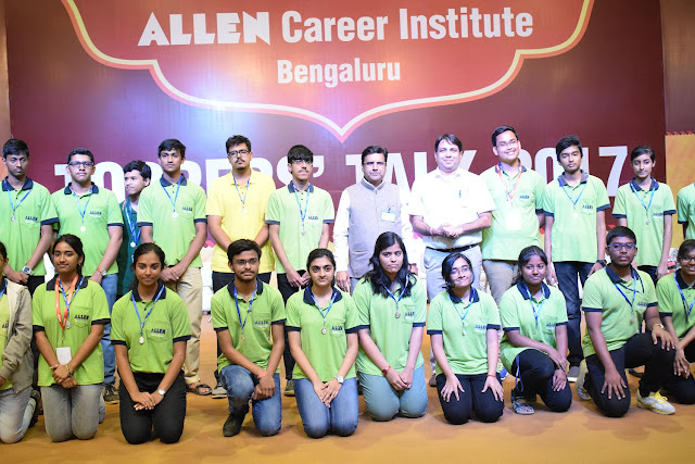 Bangalore Toppers with Director & VP of Allen Institute