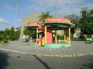 Resultado de imagem para praça da bandeira em Arcoverde